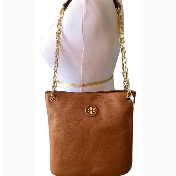 81de06ceb3a SALE🎉Tory Burch whipstitch logo swingpack purse